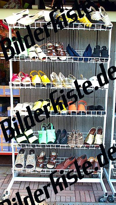 Schuhe im Verkauf