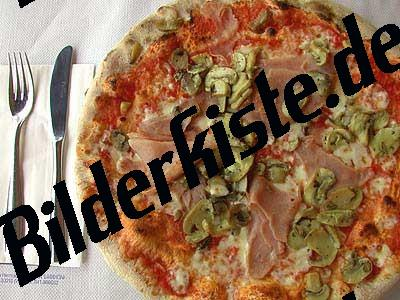 Pizza mit Pilzen,Schinken
