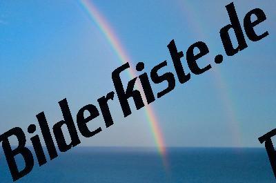 Regenbogen im Meer
