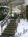 Steintreppe im Winter