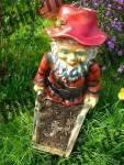 Gartenzwerg Schubkarre